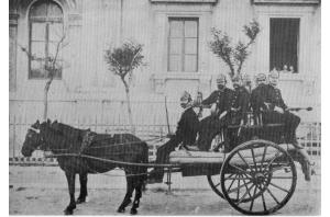 I primi pompieri a Bari
